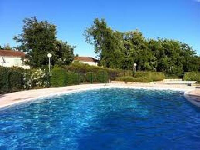 Fayence,villa, piscine,jardin ,terrasse,3 chambres