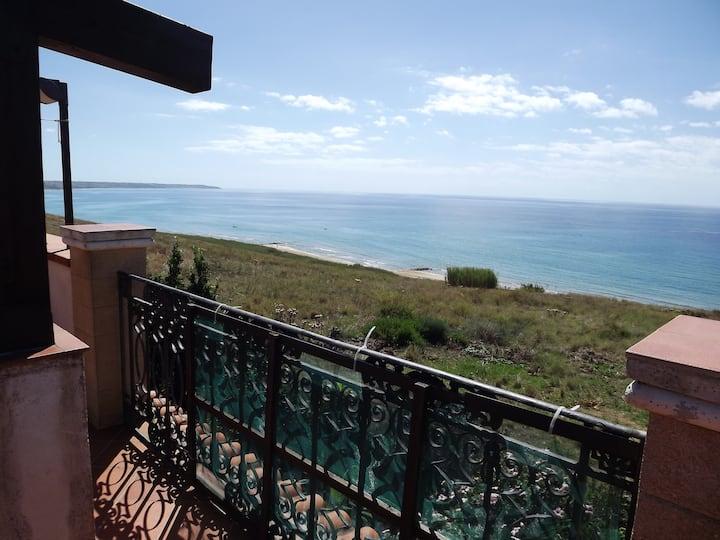 Villa with wonderful sea views