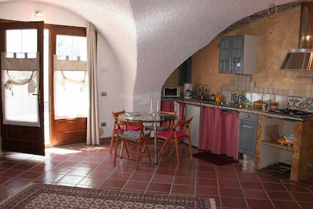 Holiday House Regina del Lago - Studio Apartment Calicanto