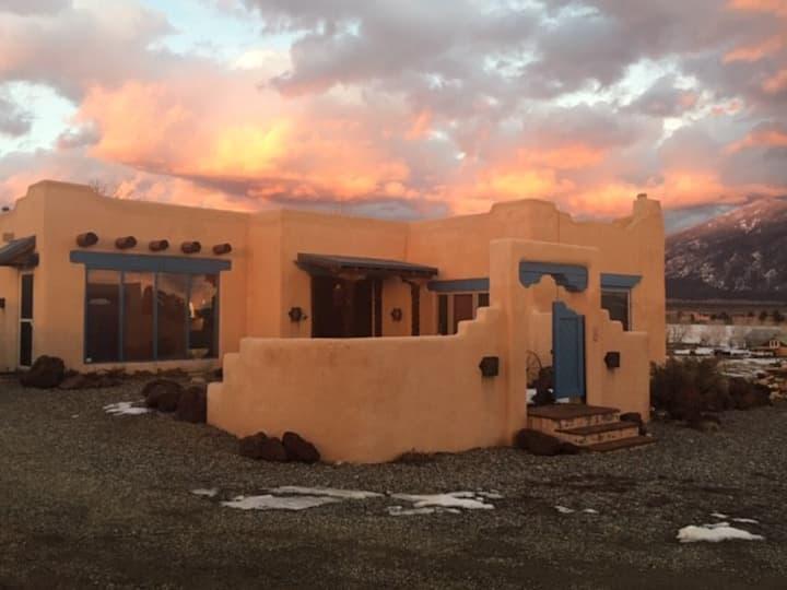 Taos Casa Vista Grande - Adobe Home with a View