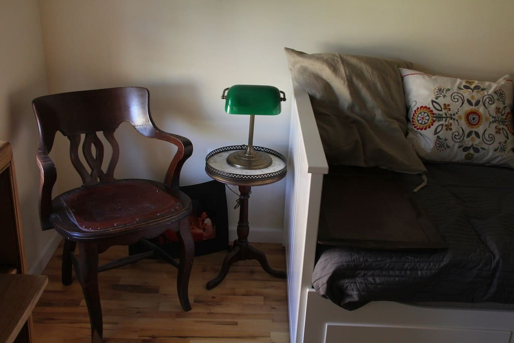 seating in guest room