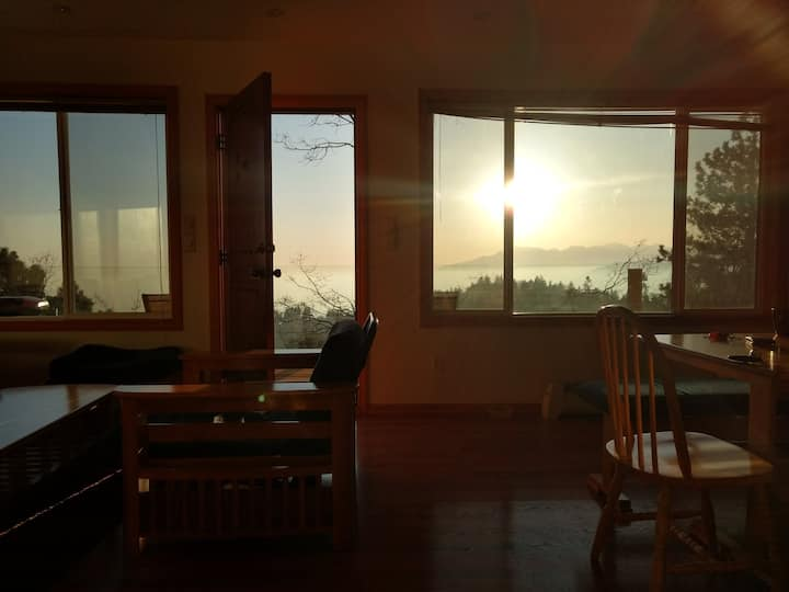Mountain View Cottage - Pine Studio
