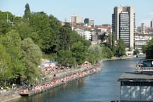 River swimming and open air bars, 5 minutes from the apartment