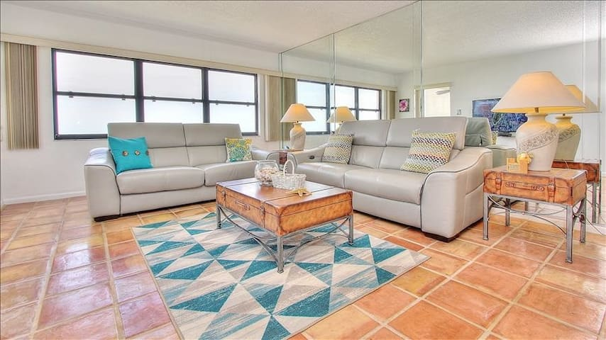 LMT1606: 16th Floor Oceanfront Gem in Highly Acclaimed Sand Key; Features 24 Hour Security