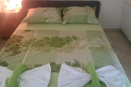 Antonia apartments - close to beach - Zaostrog - Huoneisto