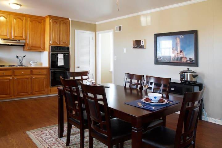 Full Dining room