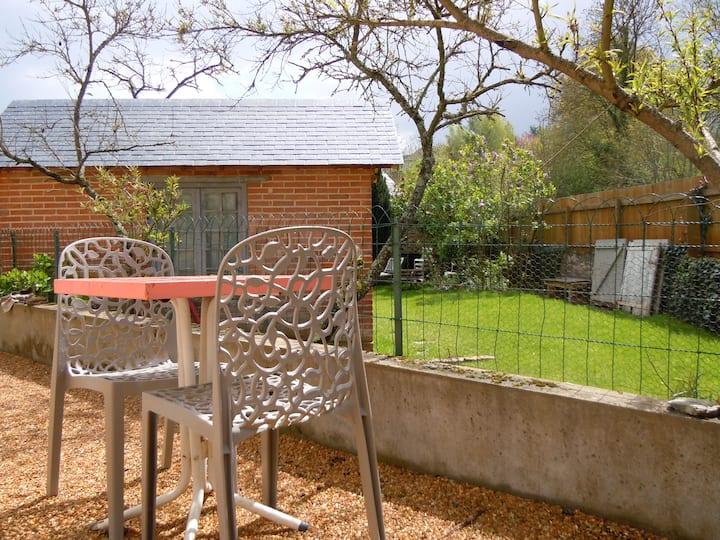 GITE plein de charme avec jardin privatif