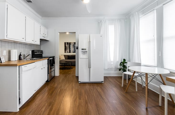 Full sized kitchen with stove, oven, dishwasher and fridge. Filtered tap water.
