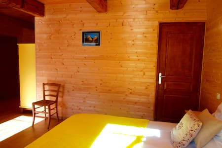 Bed and Breakfast to Rieutord with breakfasts