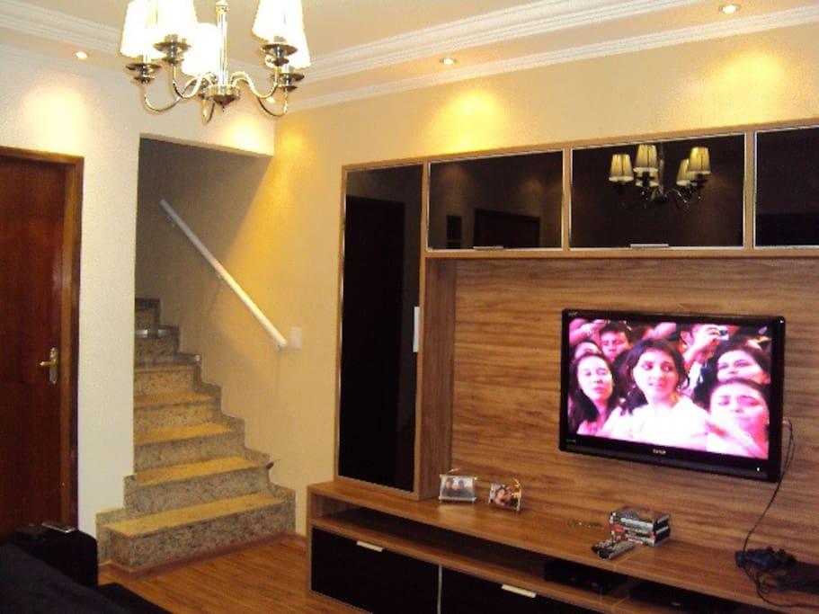 Tv HD com Canais a Cabo mais de 100 canais disponiveis