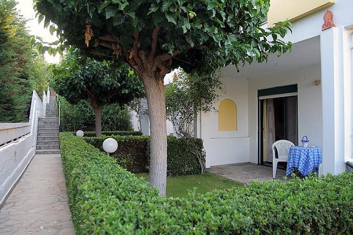 Family Resort Maisonette B2 - Aghios Emilianos