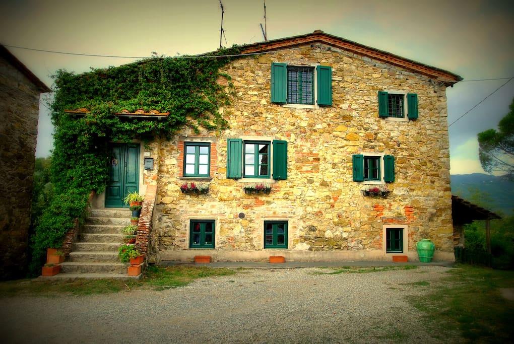 Casa il pino cottage in affitto a montecatini terme for Piani di casa cottage gotico