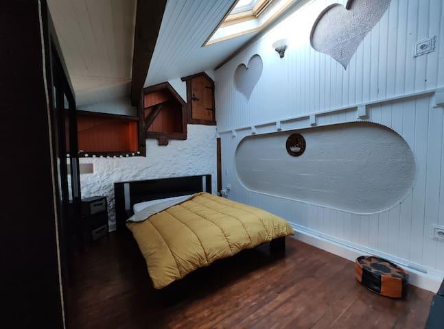 Espace chambre avec lit double