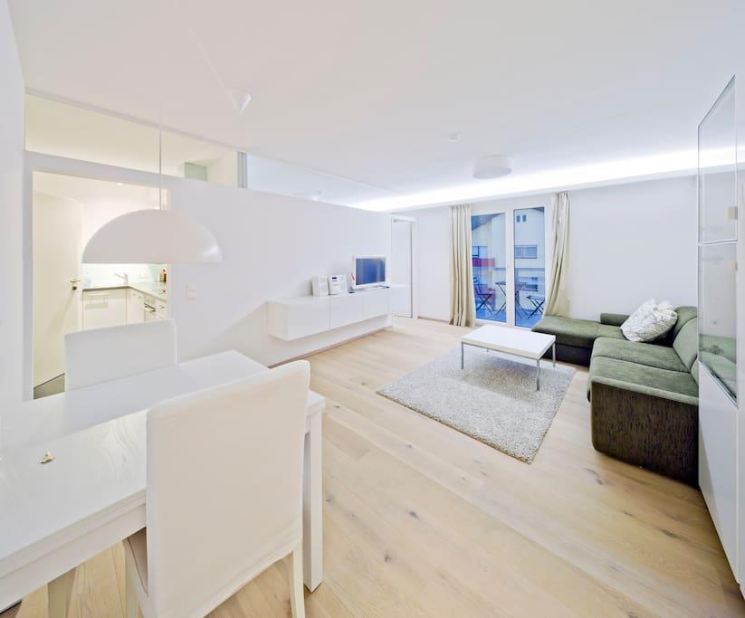 stylische 2 zimmer wohnung condos zur miete in innsbruck tirol sterreich. Black Bedroom Furniture Sets. Home Design Ideas