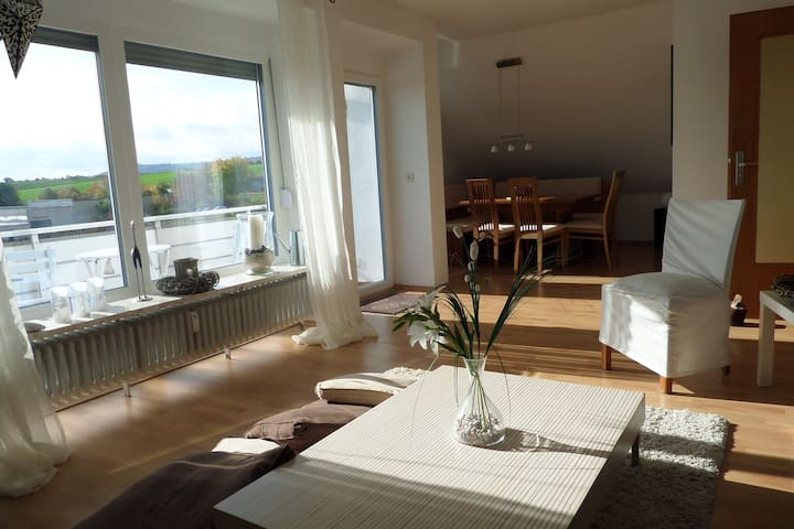 Top floor apartment near Frankfurt - Bad Nauheim - Departamento