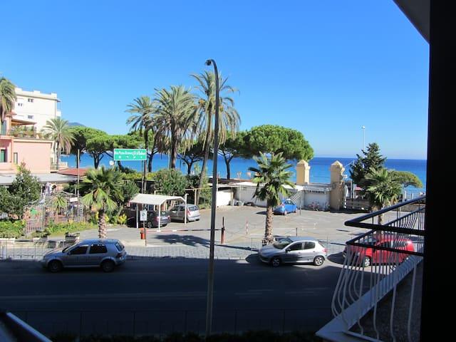 sea view apartment - Laigueglia - Departamento