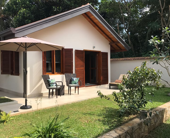 Lovely Guesthouse with use of Pool and Garden