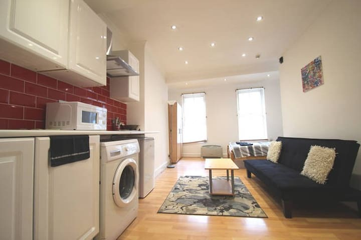 Apartment for rent in Barbican EC1V