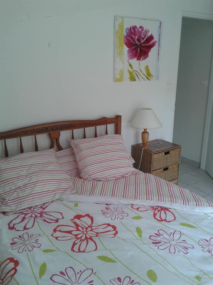 Chambre + Espace privée dans villa.