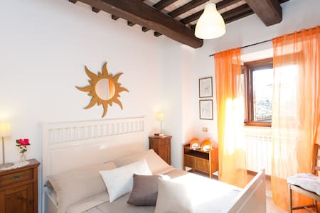 Spello Nunnery Apartment 2 - Спелло