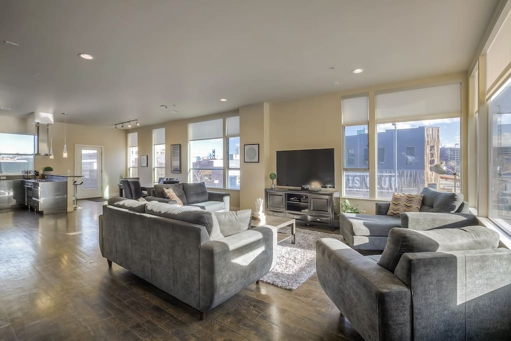 Enjoy amazing view of downtown from the spacious living room!