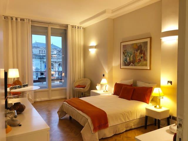 Chambre avec vue sur l'opéra avec salle de bain privative