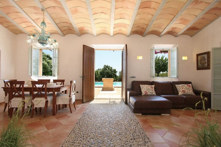 R.042 Beautiful country home with pool - Manacor - House