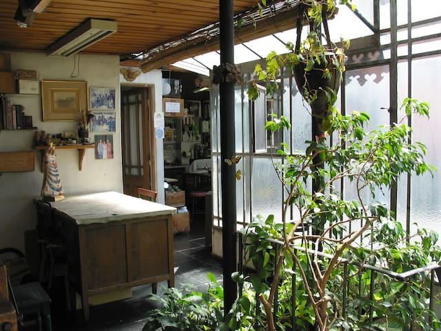 PALERMO,  charming,  sunny & huge room, with A/C