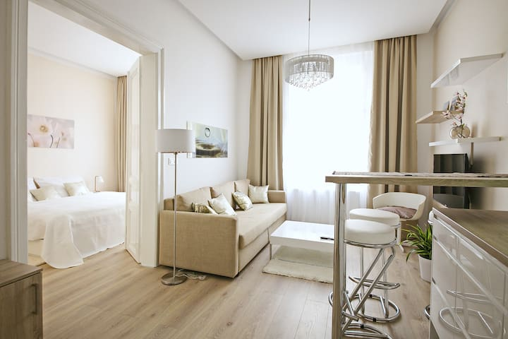Prague Centre Chic Apt. by River NEW - Prague - Apartmen