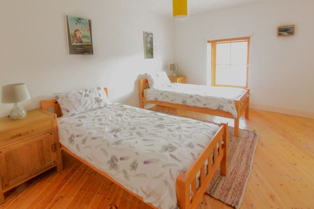 Bright spacious twin room with very comfy beds