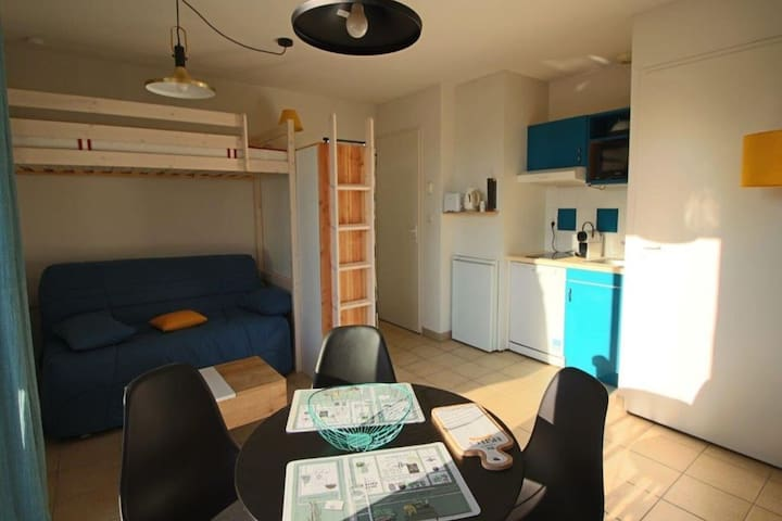 Cosy Apartment in Prayssac with Swimming Pool