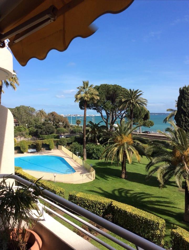 Cannes,face aux Îles,Piscine 2 chambres