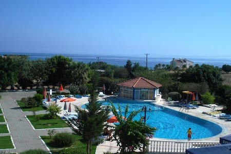 Budget Double Room at Kyrenia - Breakfast Inc. - Szoba reggelivel