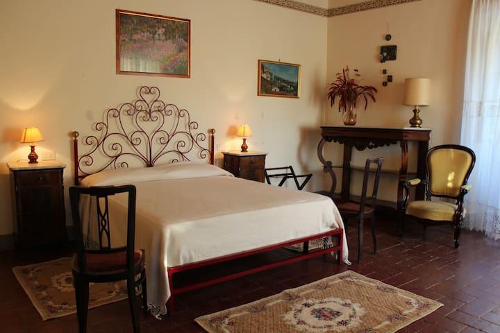 Diana2000,apartment in '800 villa - Cortona - Pis