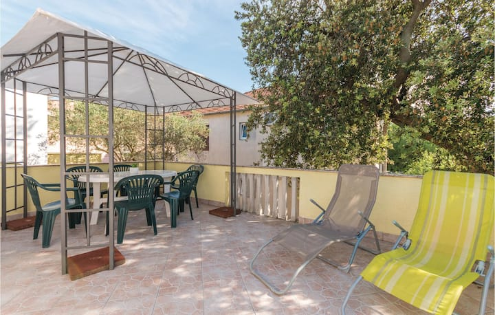 Beautiful home in Pakostane with WiFi and 1 Bedrooms