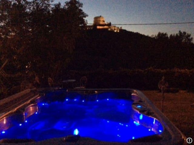 Le SPA vue de nuit