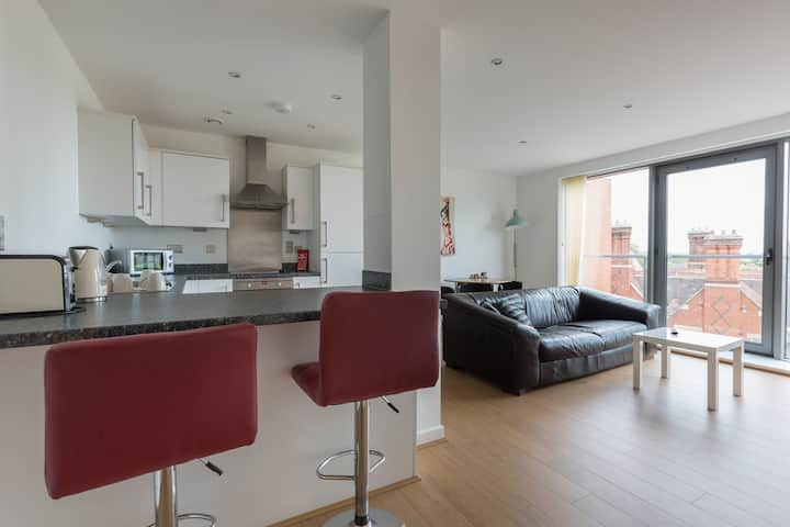Contemporary 2 Bedroom 1 Bathroom Goldington Appt