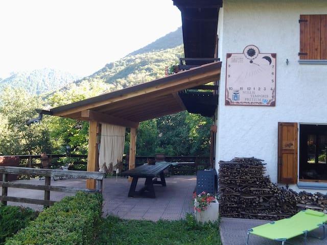 Casa in collina sul lago d'Iseo - Sale Marasino - Huis