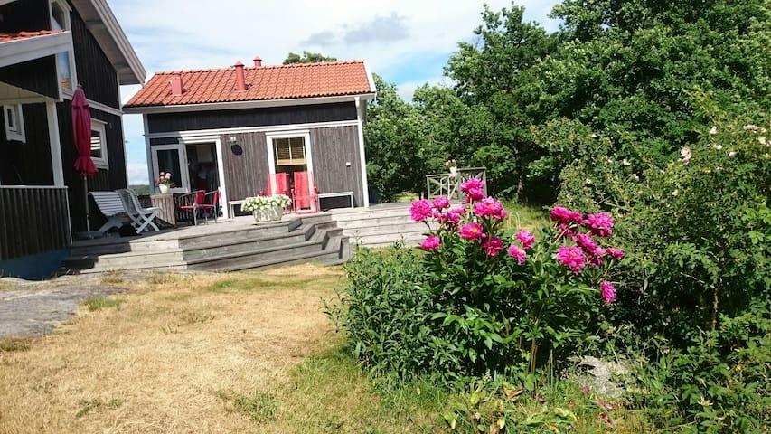 Litet hus på Mjölkeröds golfbana - Tanum V - กระท่อม
