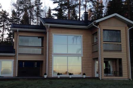 New Modern Chalet-Sauna Lake View! - Hämeenlinna - Rumah