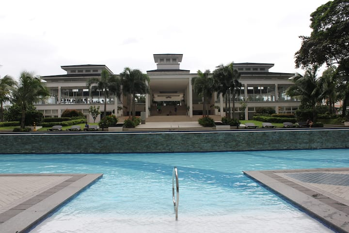Fully Furnished 2BR Condo SM Grass.