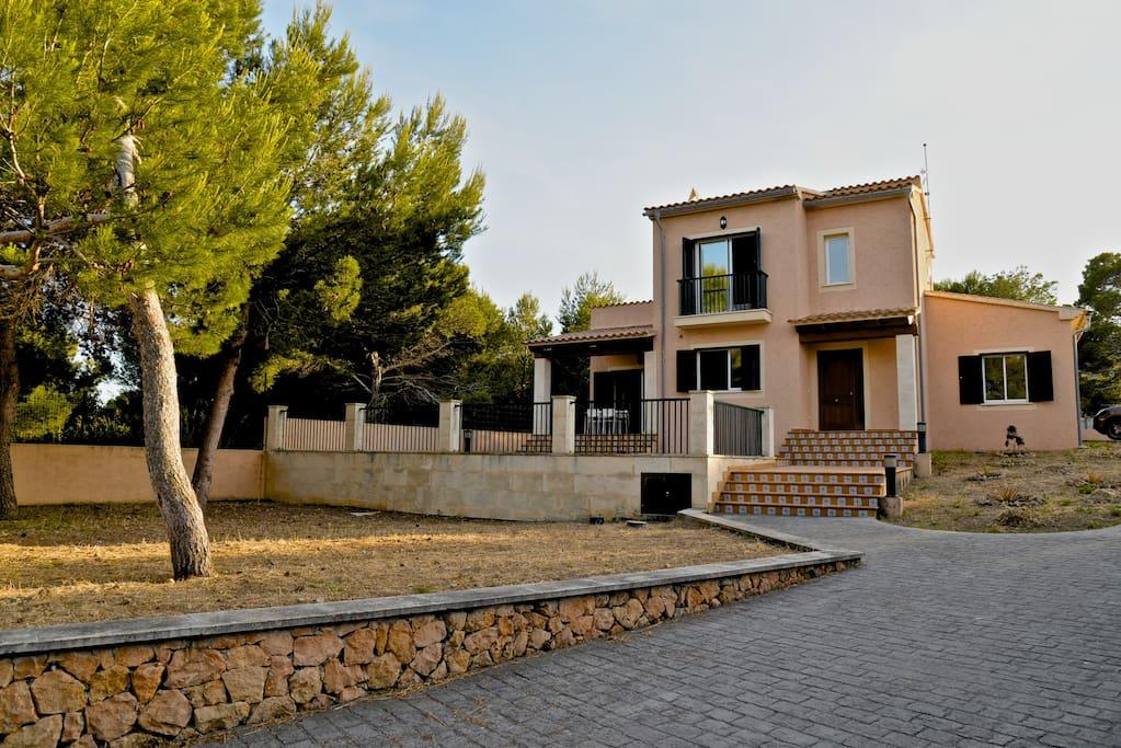 Villa Cala Mesquida. Fachada.