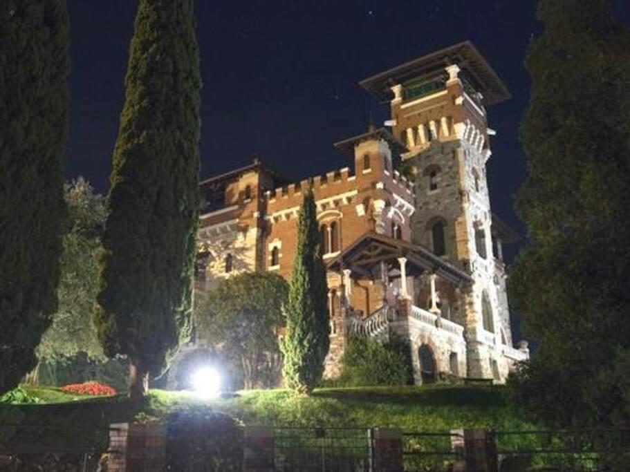 Villa Gaeta by night