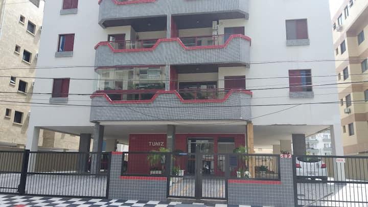 Edifício Tuniz perto, praias do Tombo e Astúrias
