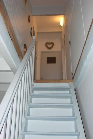 escalier accés a l'étage