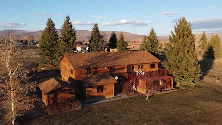 Spacious 4 BR 2.5 BA home with stunning views