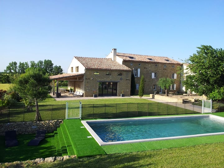 Cottage 550m ², sleeps 18, 9 rooms