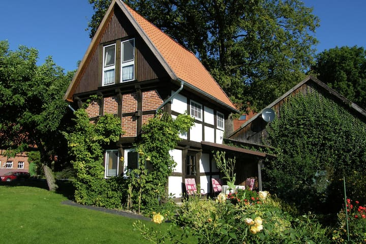 Patrimonio Casa de vacaciones en Wienhausen cerca del río
