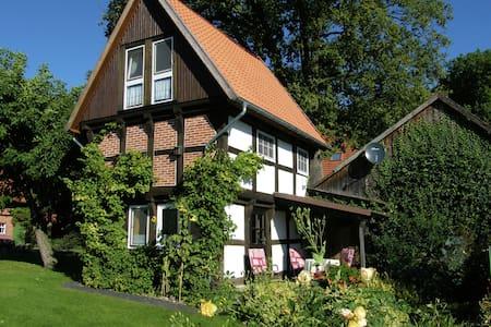 Maison de vacances typique à Wienhausen, près de la rivière