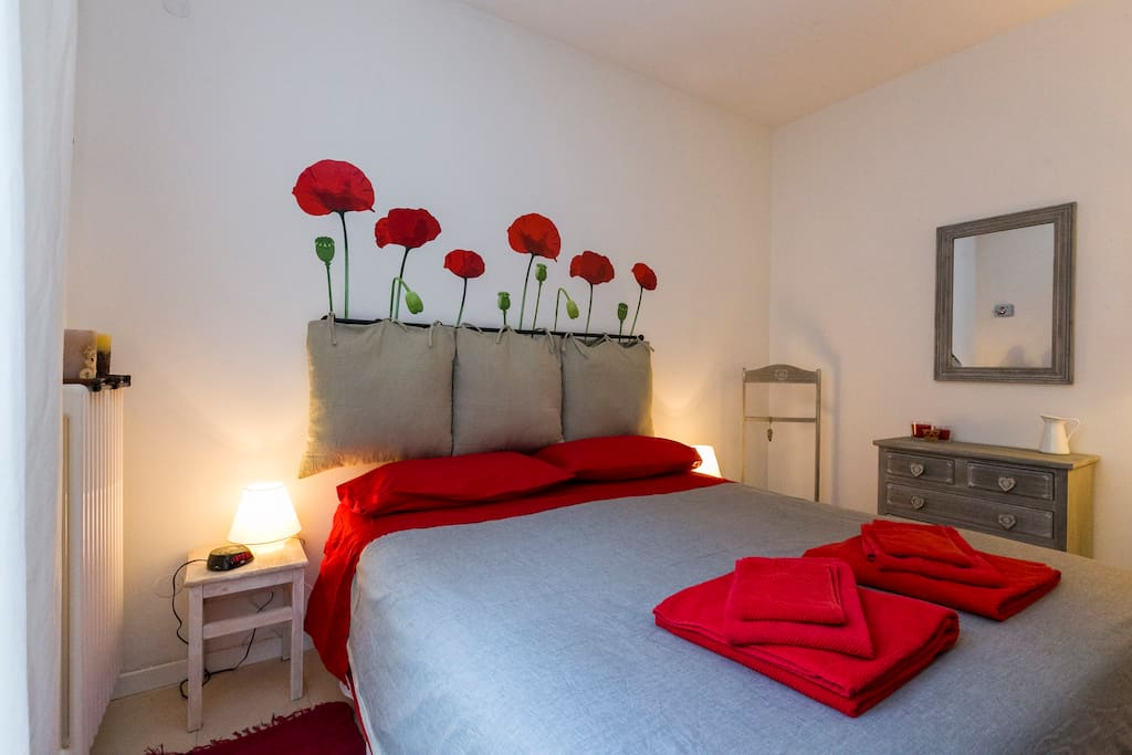 Poppy bedroom